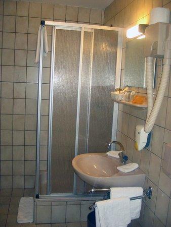 Arthotel ANA Adlon: Ванная