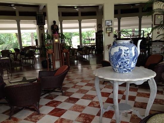 Centara Grand Beach Resort & Villas Hua Hin: The Museum Coffee & Tea Corner