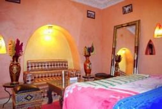 Riad Layla Rouge: A suite in the hostel. Yes, hostel.