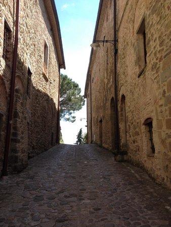 Borgo di Celle: Ingresso al borgo