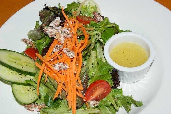 April Point Resort & Spa: Salad