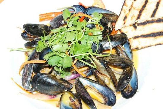 April Point Resort & Spa: Steamed mussels
