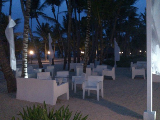 ClubHotel Riu Bambu : silloncitos en la playa