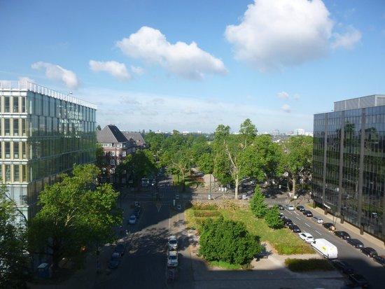 Radisson Blu Scandinavia Hotel, Dusseldorf: VIEUW 812