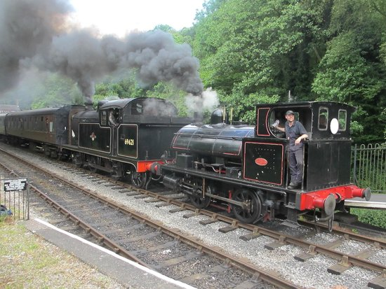 Churnet Valley Railway: Smoke and steam at Consall
