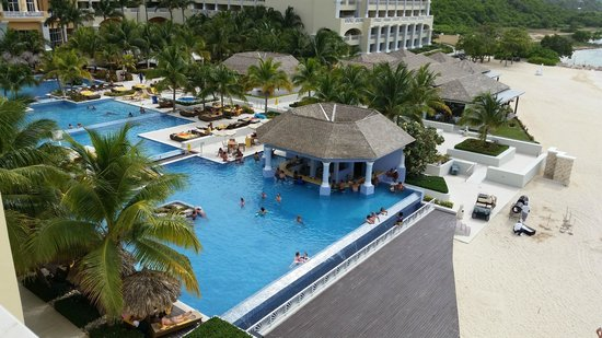 Iberostar Grand Hotel Rose Hall: Pool Bar