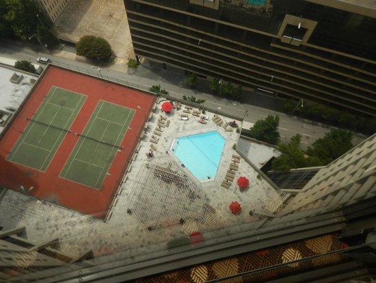 Hilton Atlanta : View from elevator