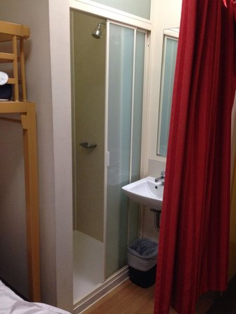 Ibis Budget Melbourne CBD: Compact. Double bed with single bunk on top. Curtained from ensuite bathroom. Has all the basics