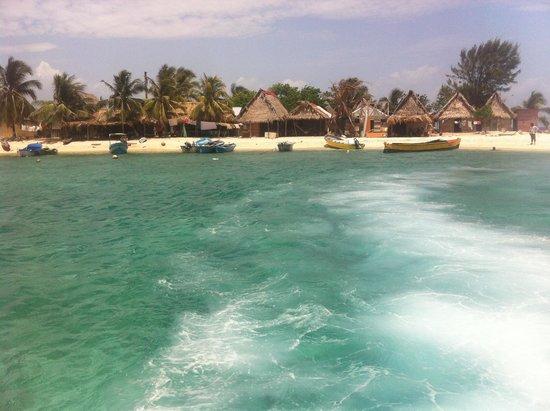 Bay Islands Adventures : Leaving the Cayos