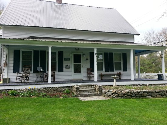 Blue Goose Inn Bed and Breakfast: Front Entrance