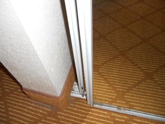 Residence Inn Tampa Downtown: Sliding door