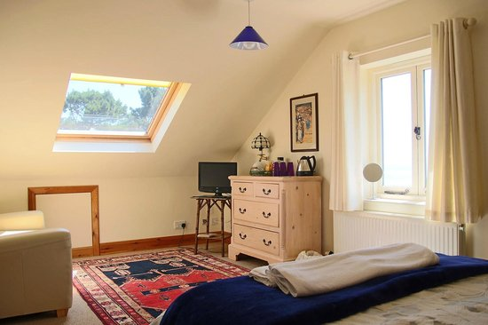 Norwegian Wood Organic Bed and Breakfast: Room for family