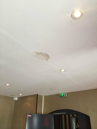 Eiffel Rive Gauche : Ceiling needing some work done
