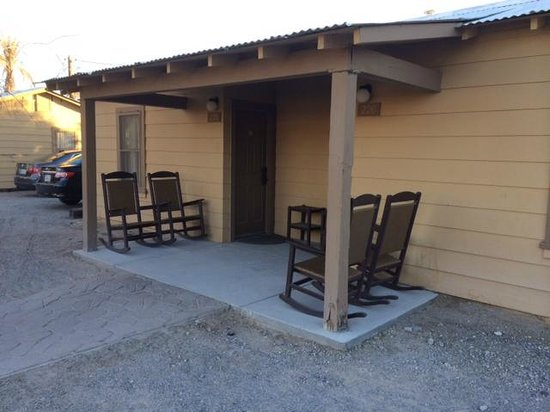 Furnace Creek Inn and Ranch Resort: This is the cabin we stayed in. Each cabin was 2 rooms.