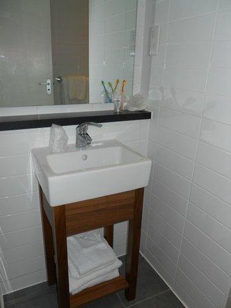 City Continental London Kensington: Sink