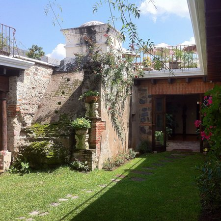 Hotel Sor Juana : Garden patio