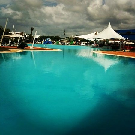 Los Delfines Water & Entertainment Park : Bella Piscina