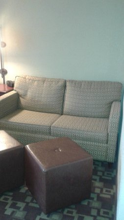 Hampton Inn Indianapolis-South: LIVING AREA