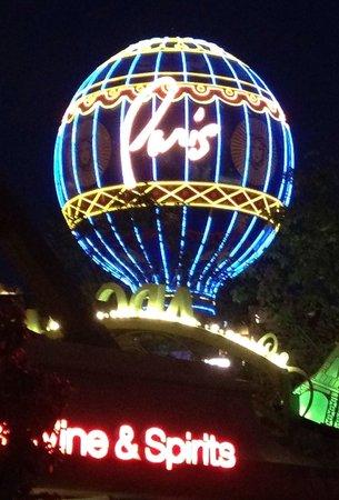 Night Lights up in Vegas! - Picture of Paris Las Vegas