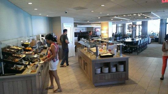 Moana Surfrider, A Westin Resort & Spa: Club lounge