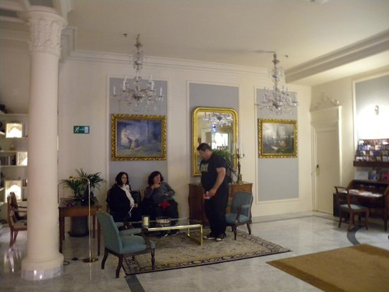 Hotel de Londres y de Inglaterra : Reception area