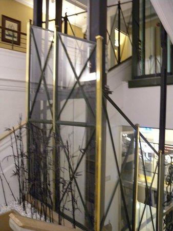 Hotel de Londres y de Inglaterra : Stairs up to the room