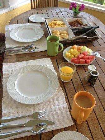 Shangri-La Boutique Bed & Breakfast: Day 1 Breakfast