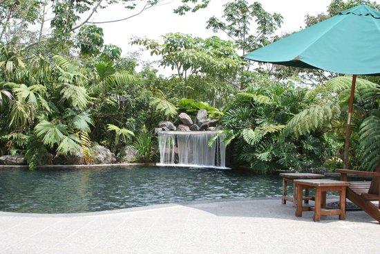 Hotel El Silencio del Campo: Natural hot spring