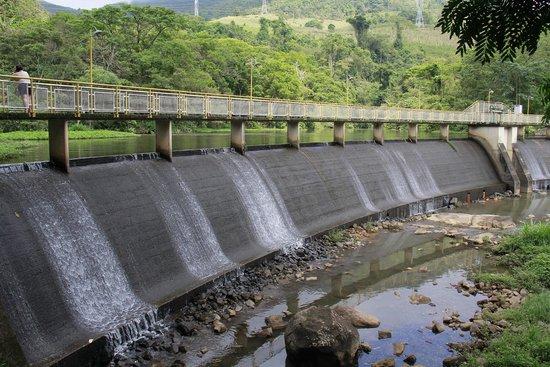 Cascata das Antas: represa