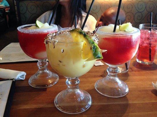 Cheddar's Scratch Kitchen: Strawberry swirl margarita and the Painkiller