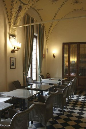 Palazzo Ravizza: Tables for breakfast