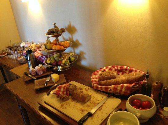 Palazzo Ravizza: Full breakfast