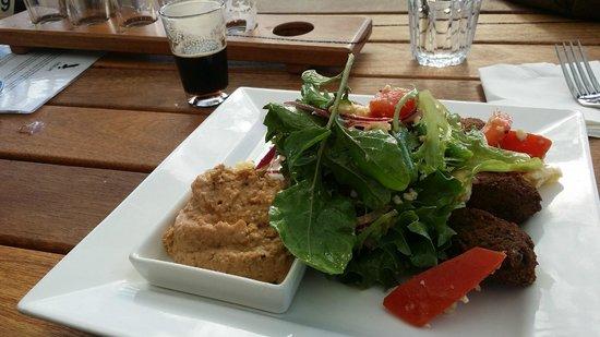Eagle Bay Brewing Co: felafel salad lunch - SUPER tasty !!