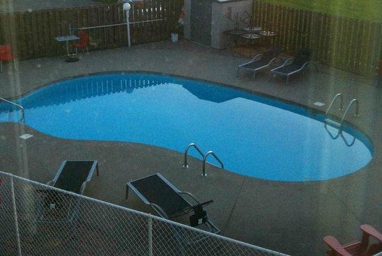 Hotel V: Pool