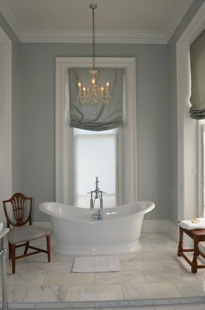 The James Lee House : Lee Suite bathroom - tub