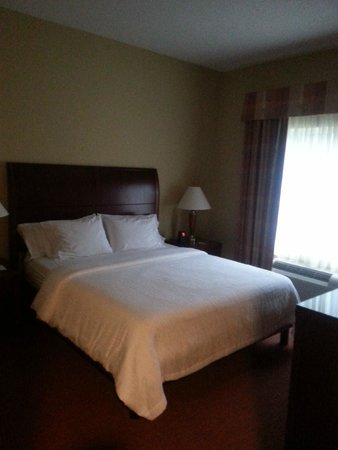 Hilton Garden Inn Fort Myers Airport / FGCU: Bed