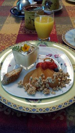 Au Jardin d'Ozanne: Before breakfast we had a breakfast appetizer . It was as amazing as the breakfast.