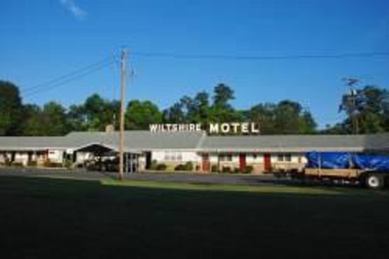 Wiltshire Motel: Family own and operated,We also handle Uhaul dealer (truck rental) also notary services as well