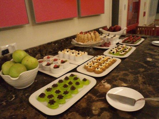 Ibis Santiago Providencia: sobremesas servidas no jantar