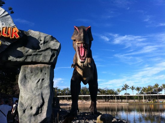 Sea World: Dinosaurs that actually move!!