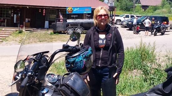 Slow Groovin' BBQ: motorbike friendly establishment