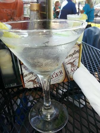 Village Marina Bar & Grill: Horrible, horrible martini