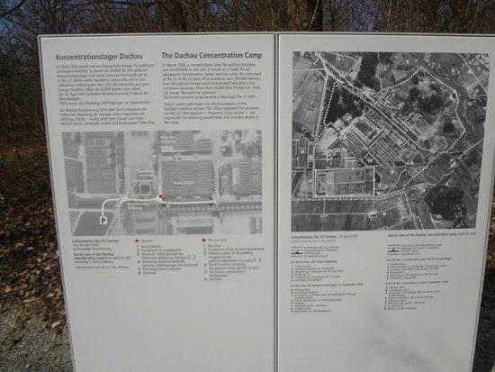 KZ-Gedenkstätte Dachau: cartaz na entrada