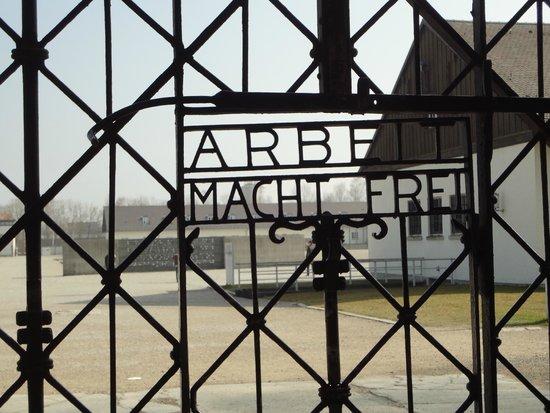 KZ-Gedenkstätte Dachau: Portão de entrada