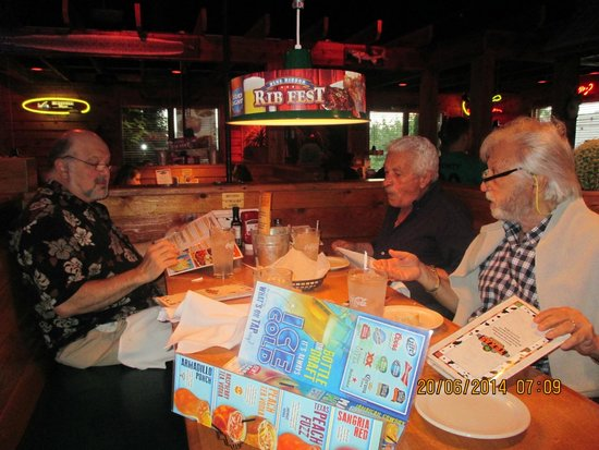 Texas Roadhouse: Dining at the Montgomeryville location