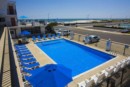 Aloha Oceanfront Motel: Aloha Motel Pool
