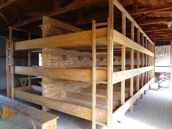 KZ-Gedenkstätte Dachau: galpão onde os presos dormiam