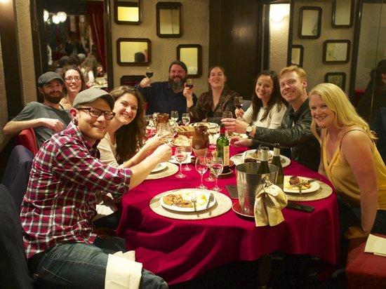 Ambassade D'Auvergne: Nine American tourists in a private room.