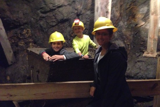 Big Thunder Gold Mine: In the gold mine.