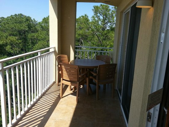 Vacation Village at Parkway: Varanda do Apartamento